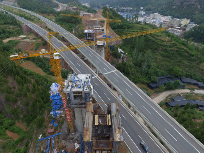 จีนเร่งสร้างทางรถไฟลำเลียงถ่านหินเล็งเปิดใช้ปี 2563